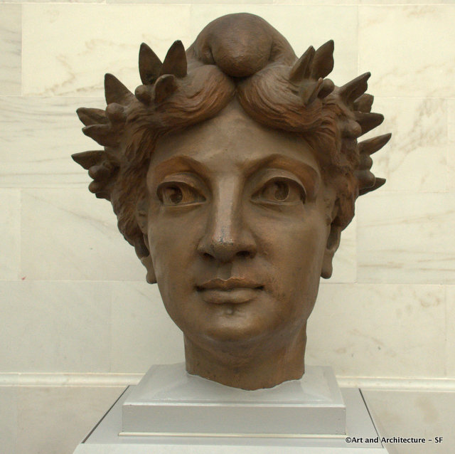 Head from Old City Hall